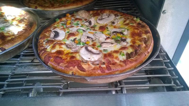 فر ریلی پیتزا
